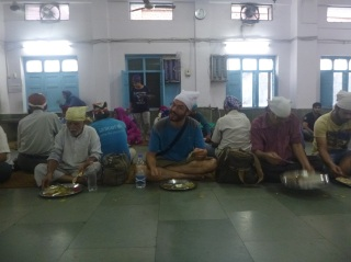 Lunch time in sikh temple, Delhi, India