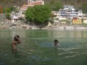 Richikesh, swimmimg in Ganga, India