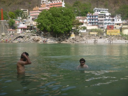 Richikesh, swimmimg in Ganga, India